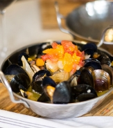Mussels Marchand de Vin - Roasted Fennel, Tomato, Garlic, EVOO, Fresh Thyme Butter, F2M, Ciabatta