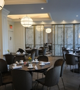 Sliding private dining room partitions enable American Slang to host private events of a variety of sizes.